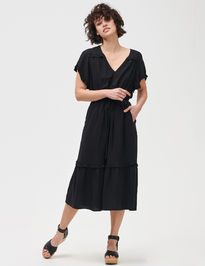 Šaty flutter sleeve midi dress